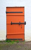 Czerwone drzwi — Zdjęcie stockowe