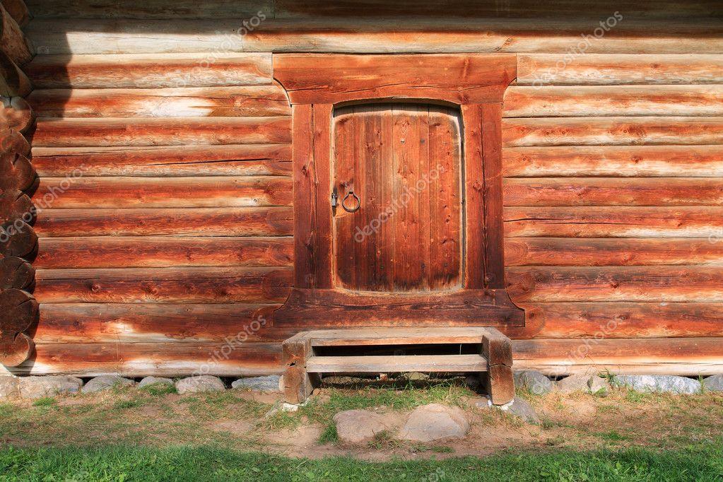 Дверь в сарай фото