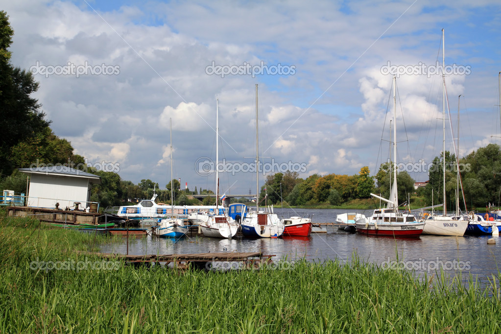 Sailboats on quay — Stock Photo #6954122