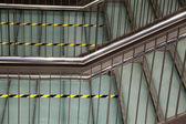 Moderne metalen trap — Stockfoto