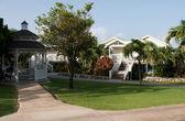 Gazebo and villa — Stock Photo
