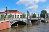 амстердам. синий мост — Стоковое фото