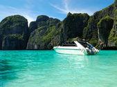 机动船上绿松石水印度洋、 皮皮岛、 t — 图库照片