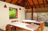 łóżka do masażu spa w luksusowy hotel, bentota, sri lanka — Zdjęcie stockowe