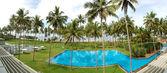 Yüzme havuzu ve lüks otel, bentota beach panoraması — Stok fotoğraf