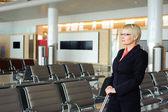 Bekleme odasında iş kadını — Stok fotoğraf