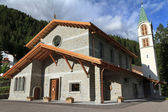 Iglesia en canazei, italia — Foto de Stock