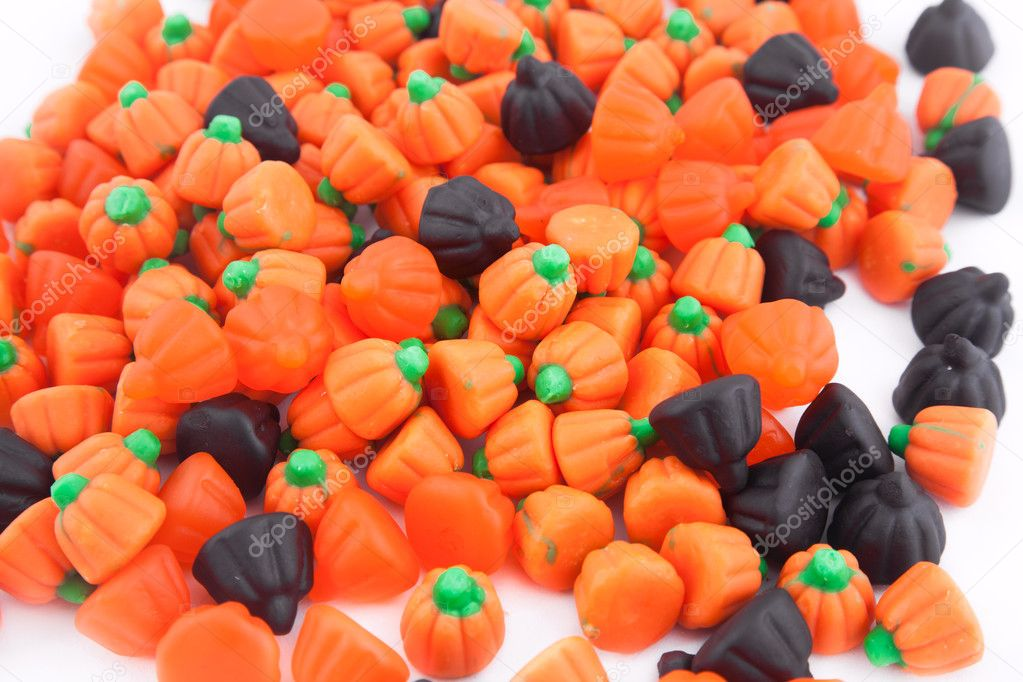 Halloween candy pumpkins Isolated on white — Stock Photo #7258590