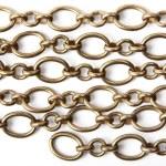 Chain on white — Stock Photo