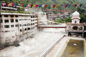Temple with thermal spring, Manikaran, India — Stock Photo