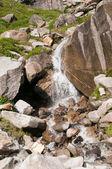 водопад на склоне горы — Стоковое фото