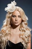 Şapkalı şık moda kadın — Stok fotoğraf