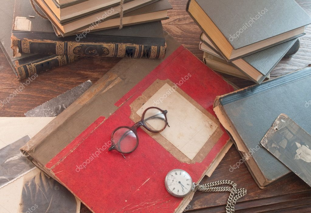 Book and Glasses. Vintage style — Stock Photo #6981998