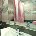 Green interior of luxury bathroom — Stock Photo #7291830