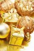 Noel hediyeleri ve dekorasyon — Stok fotoğraf