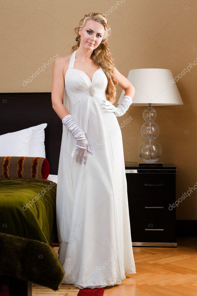 Фото невесты в спальне 10 фотография