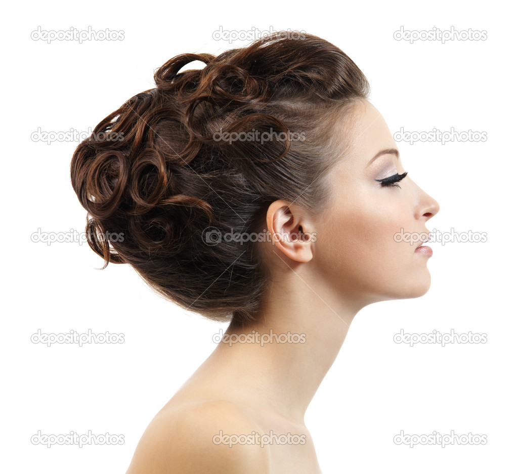 Profile portrait of the beautiful young girl with curly hairstyle -  isolated on white background — Stock Photo #6837312
