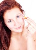 Použití oční stíny pomocí štětce na oční stíny — Stock fotografie