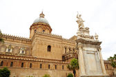 Cathedral of Vergine Maria Santissima Assunta in cielo, Palermo — Stock Photo