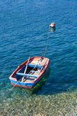Barco en el mar de fiscardo — Foto de Stock