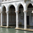 Typical VenetiColonnade, Venice — Stockfoto #7745924