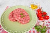Hambúrguer cru — Foto Stock