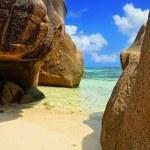 Tropical beach on Seychelles island — Stock Photo