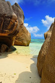 Tropical beach on Seychelles island — Stock Photo