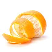 Naranja con piel pelada espiral aislada sobre fondo blanco — Foto de Stock