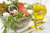 新鮮な緑の野菜のサラダ — ストック写真