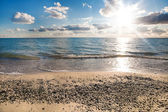 Seashore on a sunny day — Stock Photo