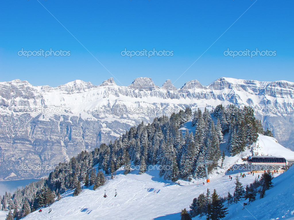 Winter in the swiss alps (Flumserberg, St.Gallen, Switzerland) — Stock Photo #7337325