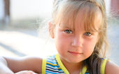 Portrait of the little girl close up — Stock Photo