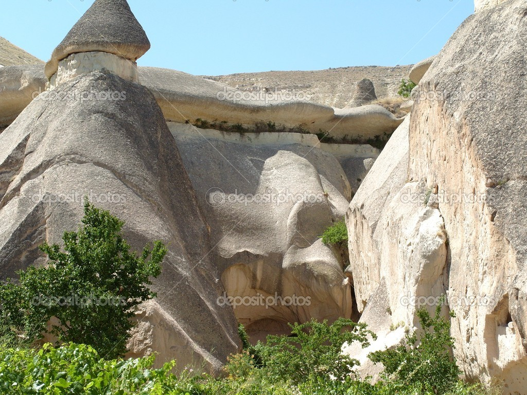 Cappadocia is a historical region in Central Anatolia, Turkey — Lizenzfreies Foto #6861396
