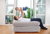 Pai brincalhão com criança — Foto Stock