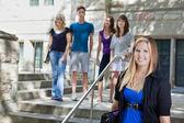 Studenten am college — Stockfoto