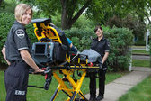 Female Ambulance Worker — Stock Photo