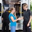 Foto Stock: Friendly Ambulance Worker
