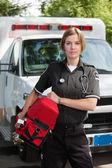 Ems profesyonel kadın oksijen ünitesi ile — Stok fotoğraf