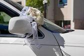Wedding Bouquet on Car — Stock Photo
