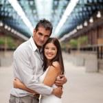 mulher bonito emcbracing masculino — Foto Stock
