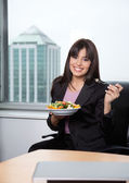 Woman Having Fresh Salad of Vegetables — Stock Photo