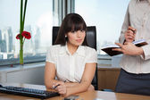 Female Executive With Assistant at Side — Stock Photo