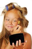 カーラーした makup を置くと美しい女の子 — ストック写真
