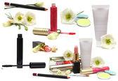 Cosmetici isolati su bianco - il trucco di primavera — Foto Stock