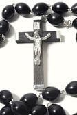 与耶稣受难像天主教念珠 — 图库照片