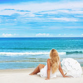 Beach woman — Stock Photo