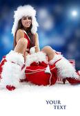 Mulher de natal com caixa de presentes — Foto Stock