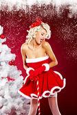 Noel baba elbise giyen güzel seksi kız — Stok fotoğraf