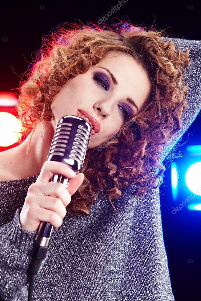 singing the girl retro - photo #13
